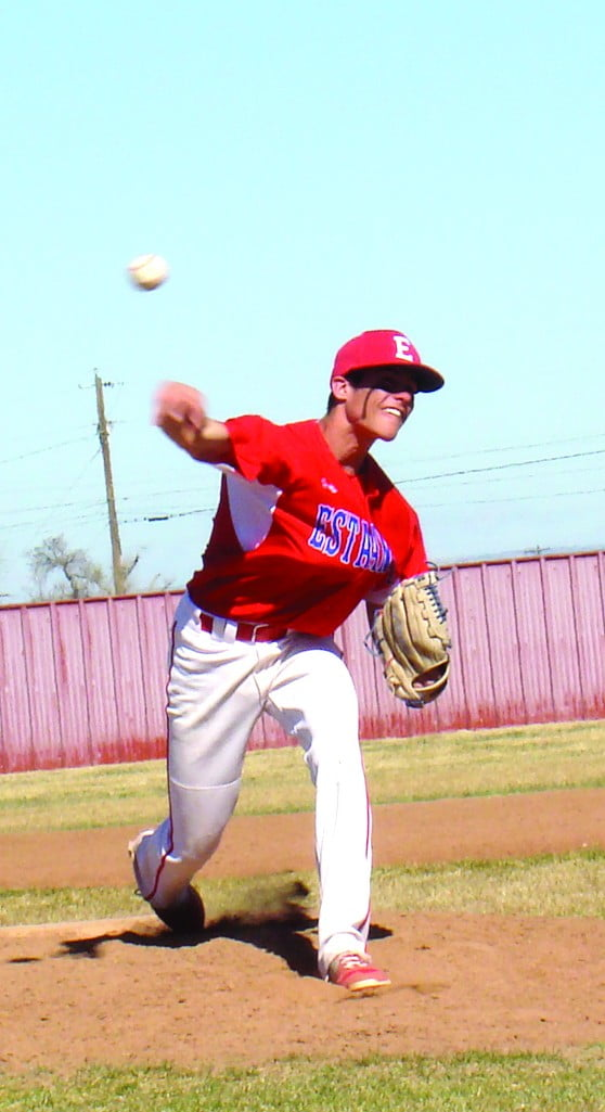 Bears hitting and T'Wolves errors lead to Estancia's 13-2 romp