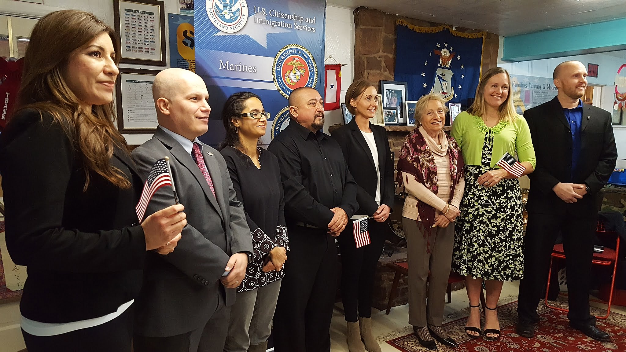 Immigrants become citizens in ceremony