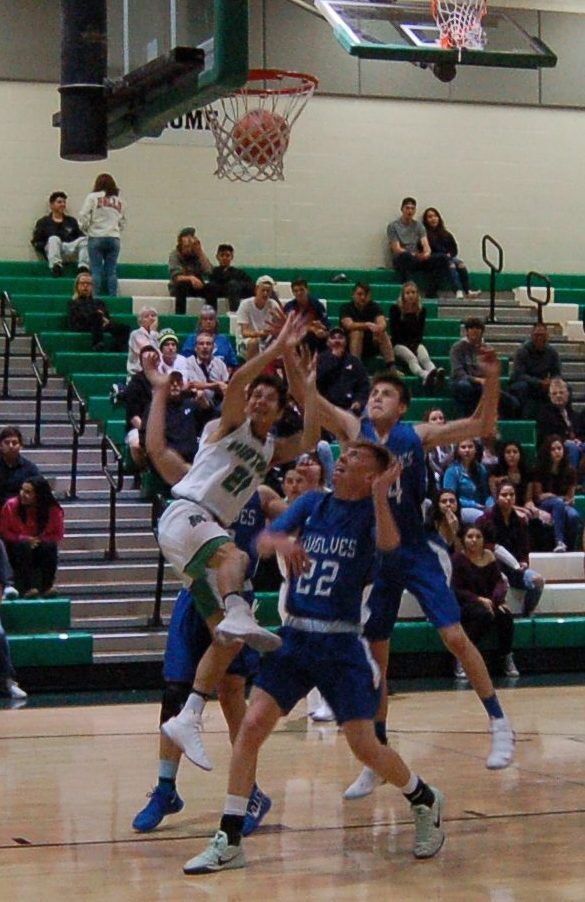 Moriarty boys hoops start season with wins over Taos, East Mountain
