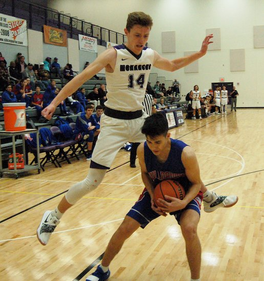 Manzano boys basketball hits highs and lows in losses to Oñate, Las Cruces