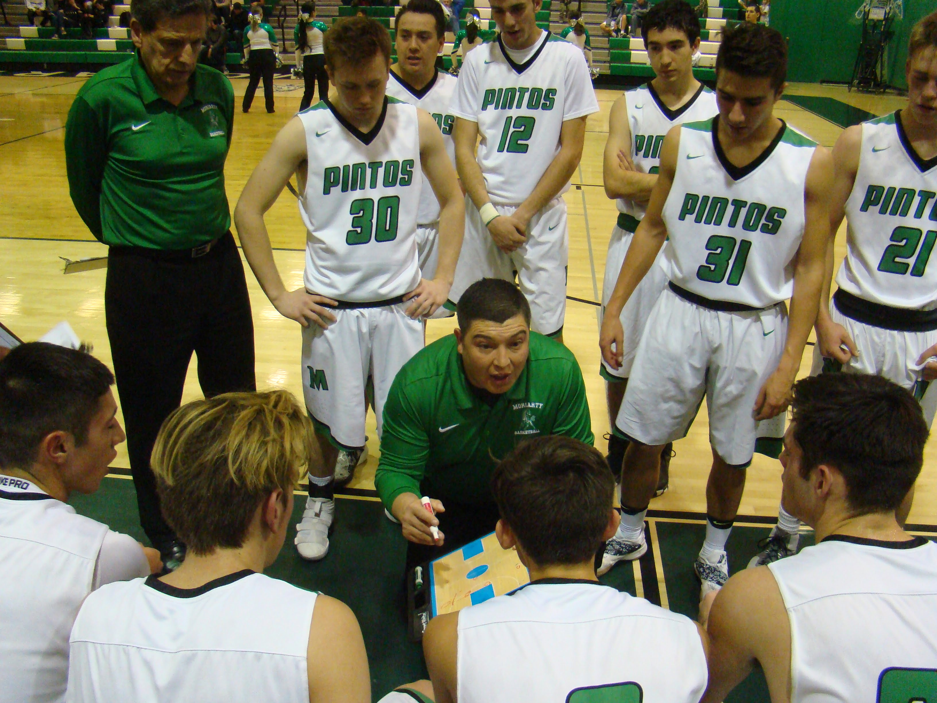 Moriarty boys basketball holds on for first home victory of the season