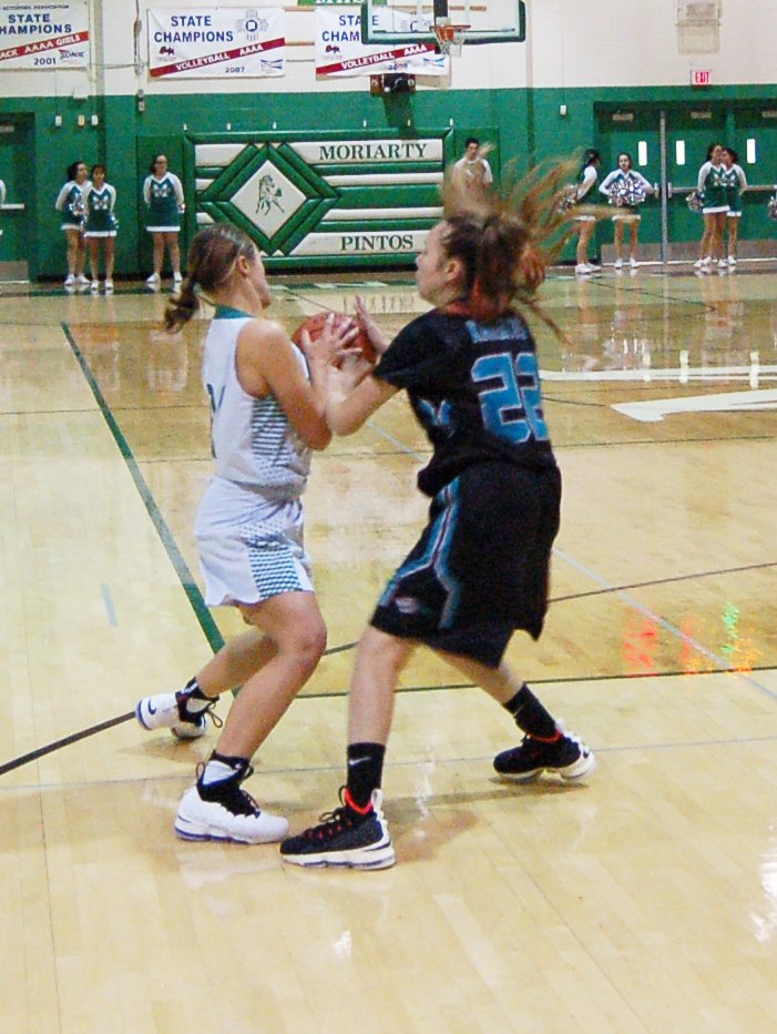 Lady Pintos basketball produces 'best effort' in win over Del Norte