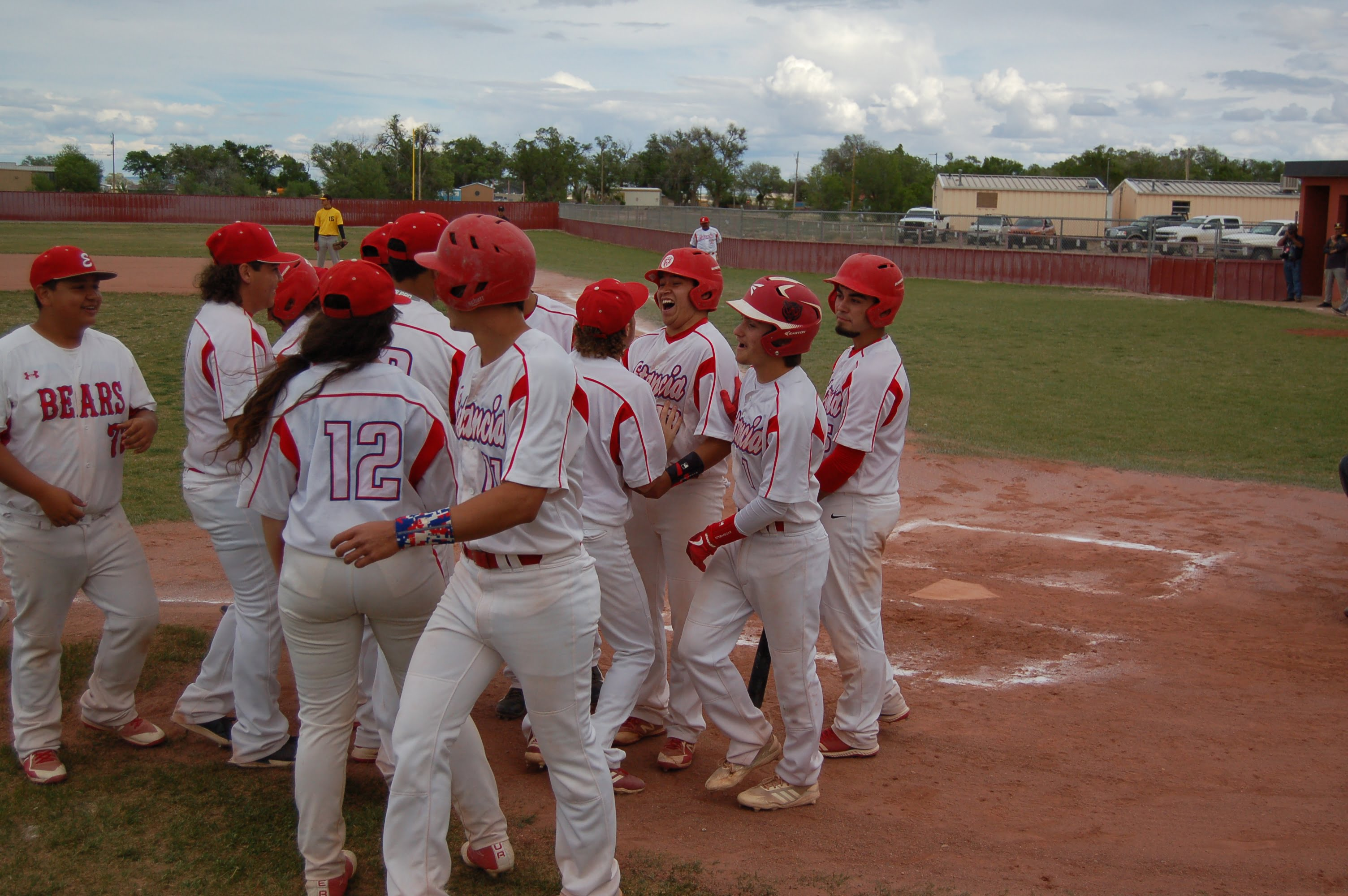 Estancia Bears trounce Tierra Encantada in first round of 2A state baseball tournament