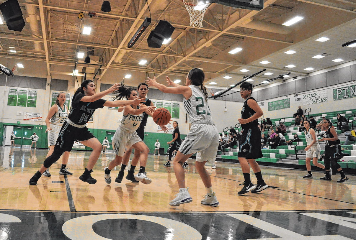 Lady Pintos 'have moments' but stymied by own mistakes in four consecutive losses