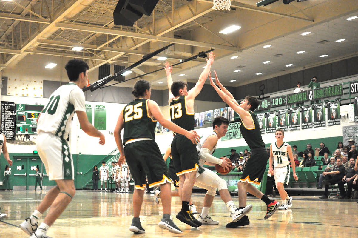 Pintos 'played their butts off' but Hilltoppers hold on to win 41-37