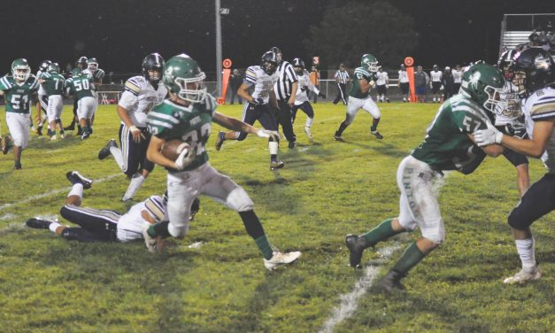 Lightning and Santa Fe's 'big plays' thwart Moriarty Pintos in home opener
